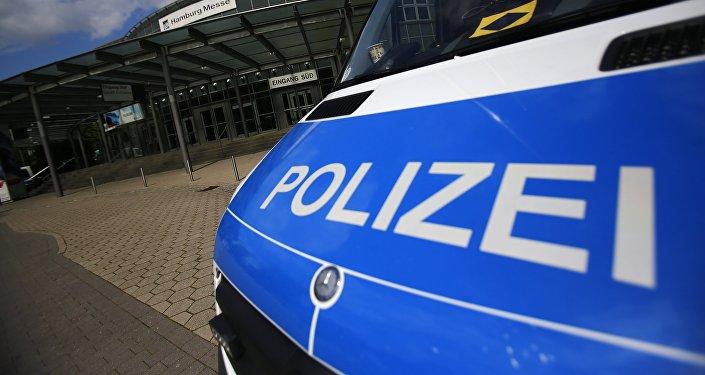 Um carro da polícia perto da Hamburg Messe, foto de arquivo