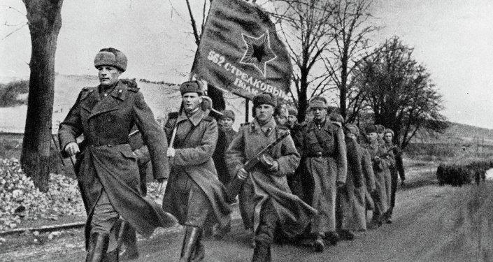 Tropas soviéticas na Polônia libertada. Fevereiro de 1945