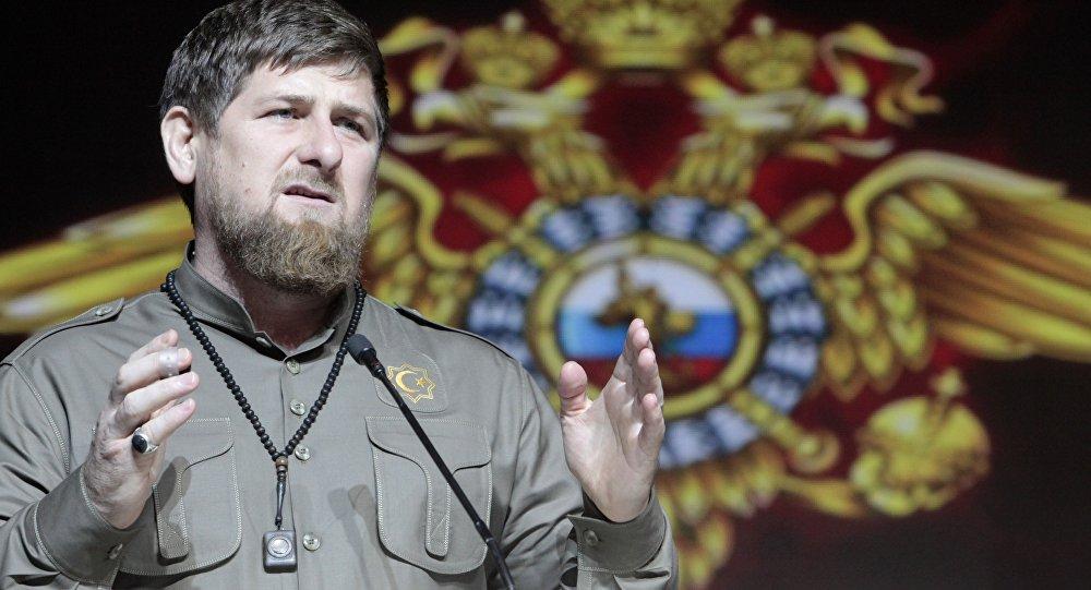 Ramzan Kadyrov, líder da República da Chechênia, em 10 de novembro de 2015 (foto de arquivo)