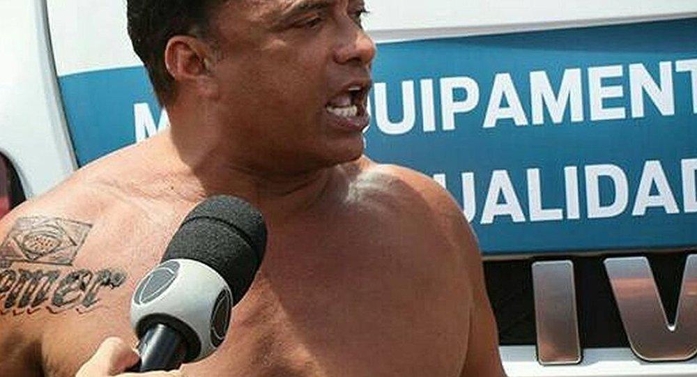 Deputado Wladimir Costa (SD-PA) exibiu no ombro uma tatuagem em homenagem ao presidente Michel Temer