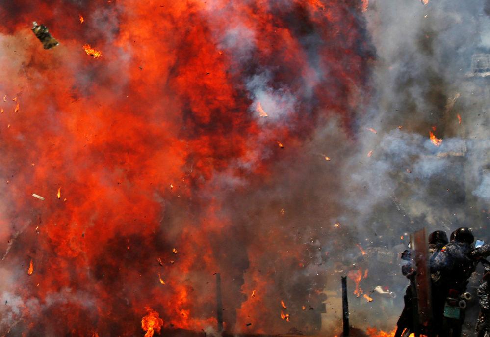 Confrontos com manifestantes no decurso das eleições da Assembleia Nacional Constituinte da Venezuela, em Caracas