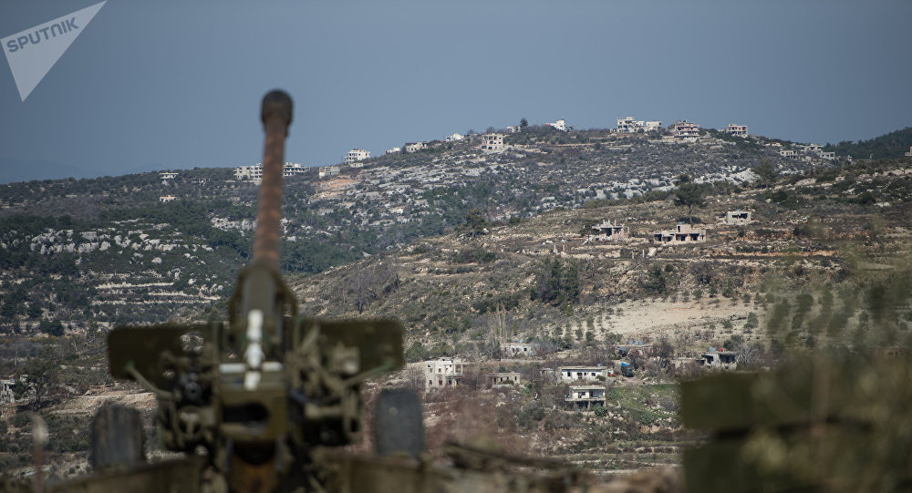 Soldados da artilharia do exército sírio na província de Idlib, no noroeste da Síria (foto de arquivo)