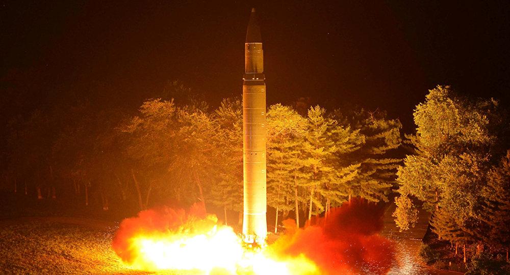 Lançamento do míssil balístico intercontinental (foto de arquivo)