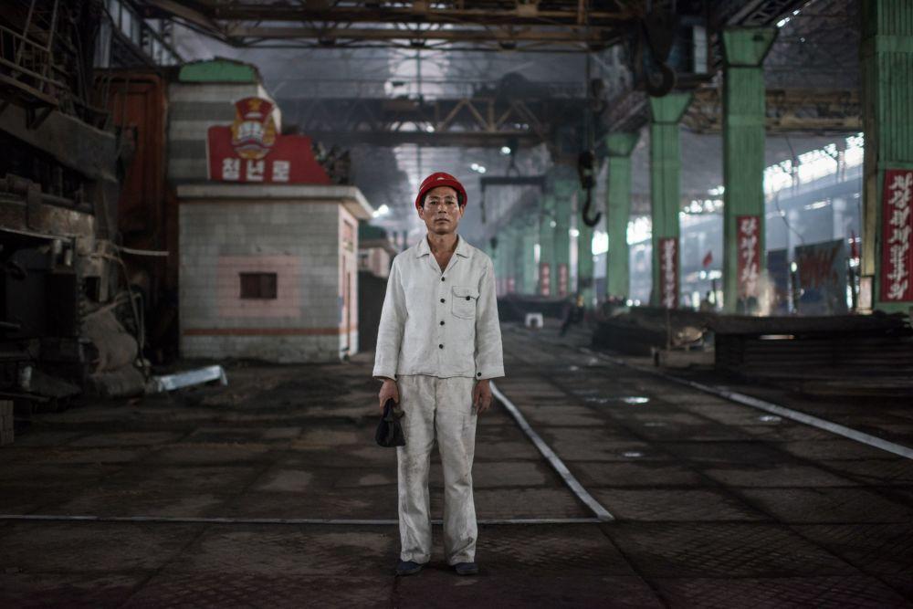 Kang Chol-Su, operário de uma fundição de aço ao sul de Pyongyang