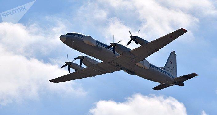 O novo avião de guerra eletrônica Il-22 Porubschik da Força Aeroespacial russa durante o show aéreo em 12 de agosto de 2017