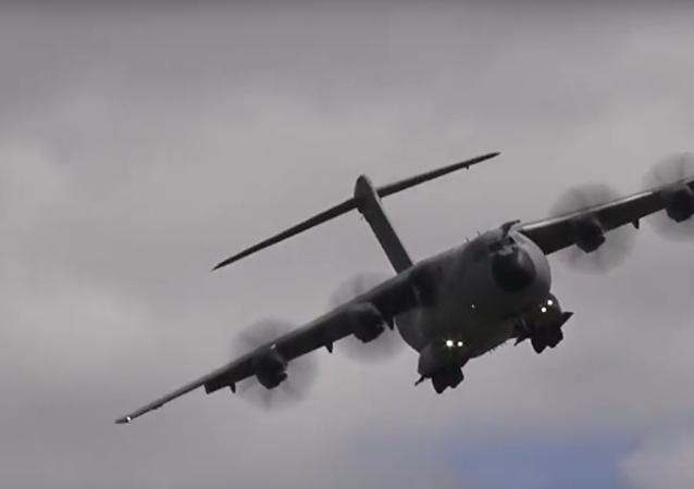 Descolagem vertical de Airbus A400M