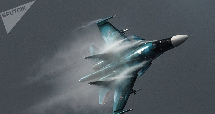 Su-34 é um caça-bombardeiro russo avançado. Su-34 foi projetado inicialmente para ataque contra alvos terrestres e navais, assim como para reconhecimento aéreo.