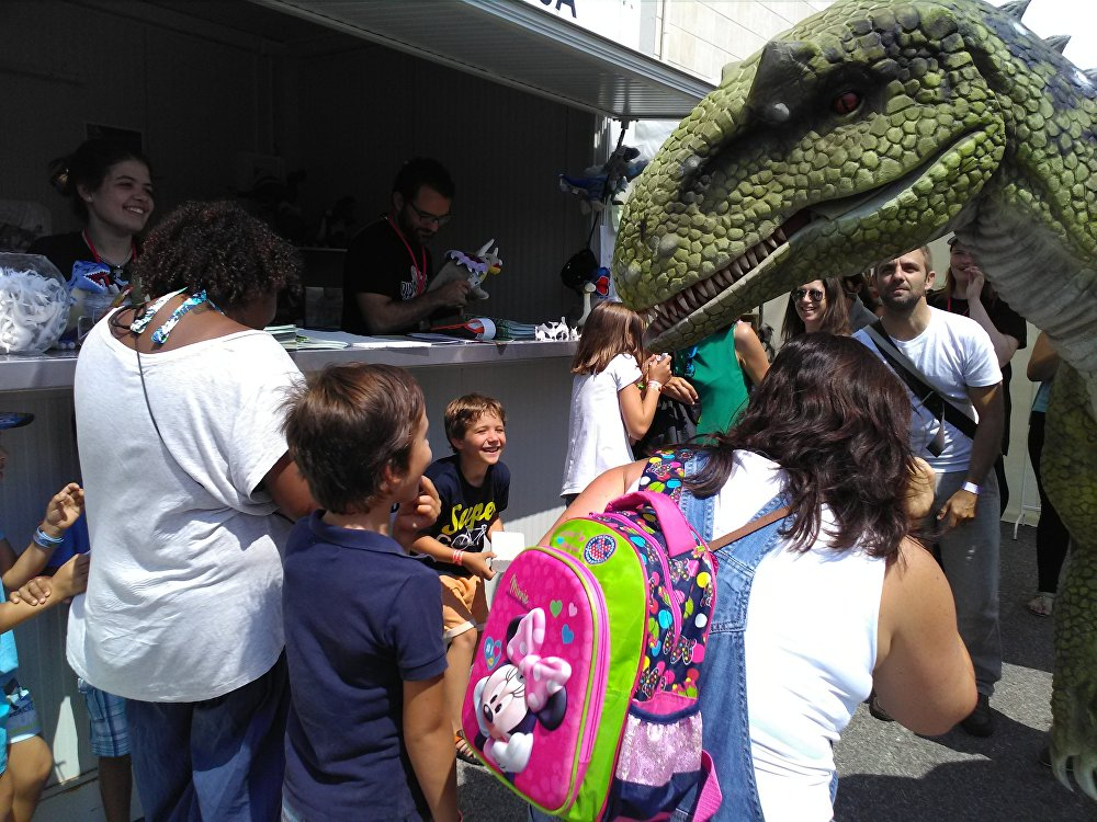 Museu da Lourinhã lança iniciativa Dinossauros Saem à Rua