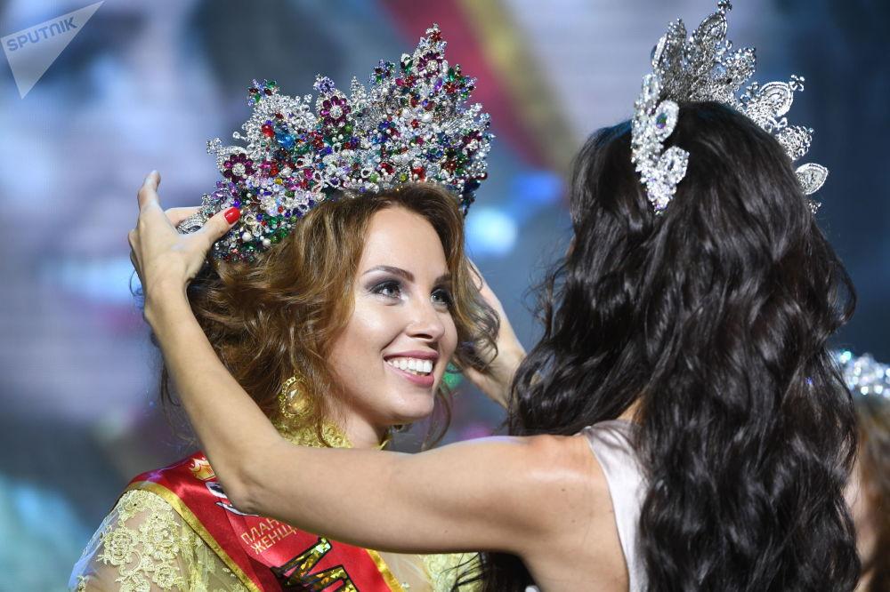 Polina Dibrova, vencedora do concurso Missis Rússia 2017