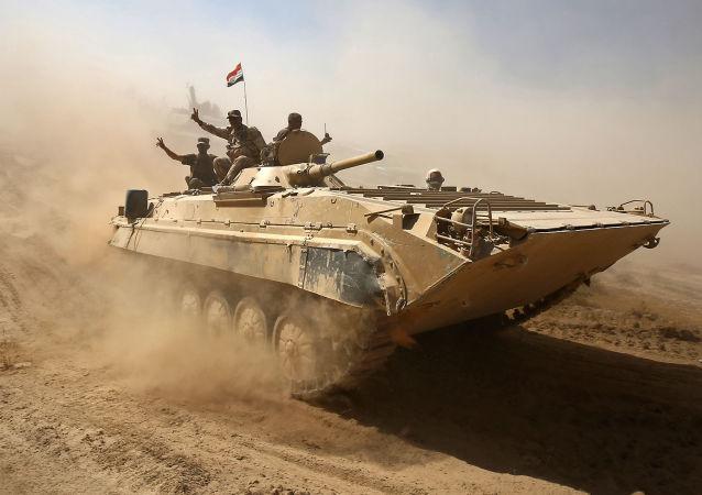 Exército iraquiano se dirigindo para Tal Afar, a oeste de Mossul