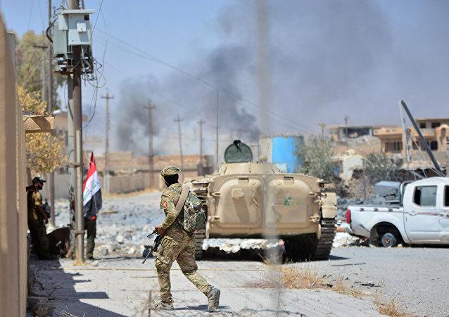 Militares iraquianos durante a operação antiterrorista em Tal Afar, Iraque