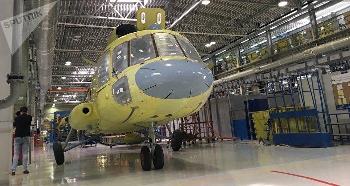 Oficina de montagem na Fábrica de Helicópteros de Kazan