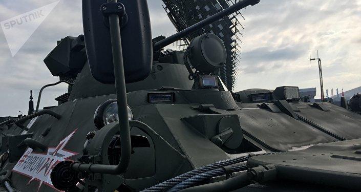 Um dos veículos expostos no fórum militar EXÉRCITO 2017