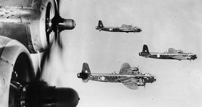 Bombardeiros Short Stirling da Força Aérea britânica em 12 de março de 1942