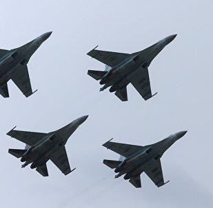 Caças russos Su-35S no EXÉRCITO 2017