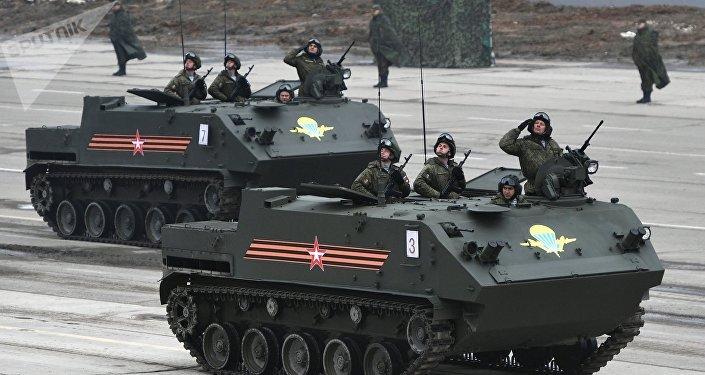 Ensaio de equipamentos militares russos para o Dia da Vitória (foto de arquivo)