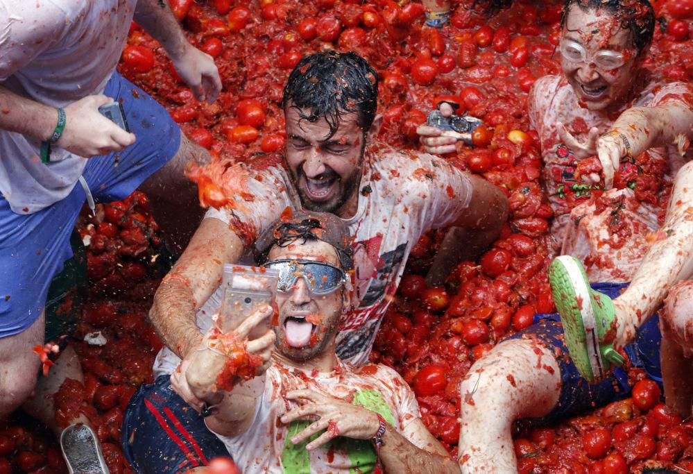 Guerra de tomates La Tomatina na Espanha