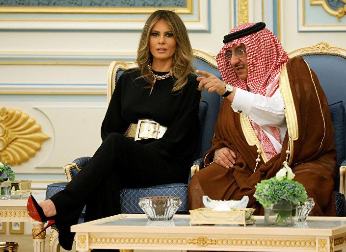 Melania Trump durante sua visita à Arábia Saudita