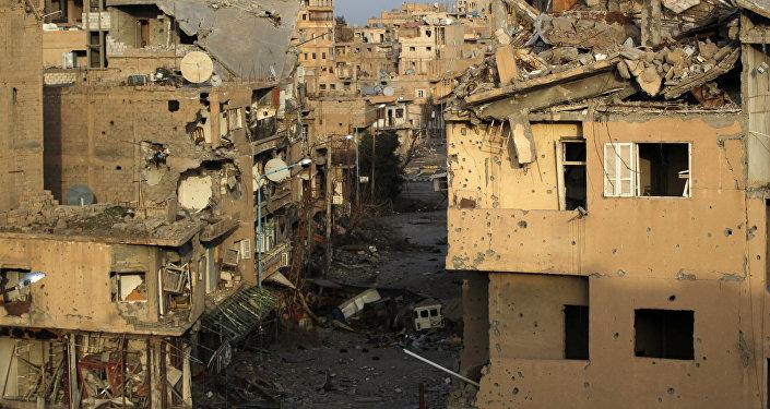 Edifícios destruidos em Deir ez-Zor (foto de arquivo)