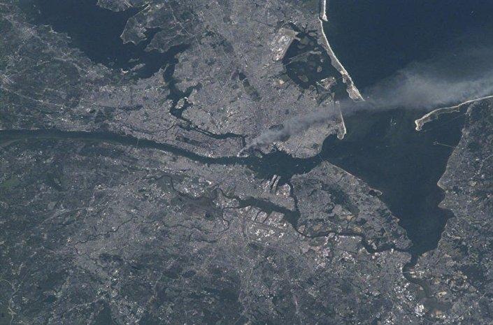 Os atentados terroristas 11/9 vistos do espaço
