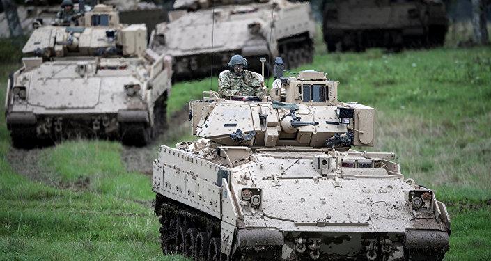 Forças militares dos EUA se preparam para mais um exercício durante atividades militares na Suécia