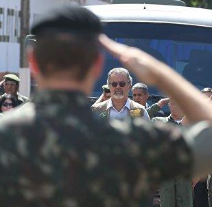 Ministro da Defesa, Raul Jungmann, visita o sistema integrado de sensoriamento (Sisfron) próximo à fronteira com o Paraguai (foto de arquivo)