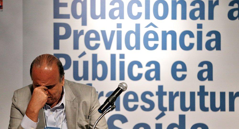 Governador Luiz Fernando Pezão participa de Fórum Nacional sobre previdência pública, no BNDES, e fala à imprensa sobre crise de segurança no estado