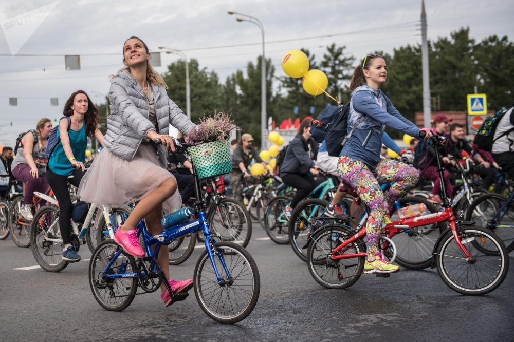 Corrida para divulgação do ciclismo em Moscou