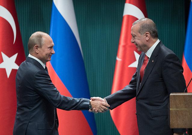 Vladimir Putin e Recep Tayyip Erdogan em Ancara