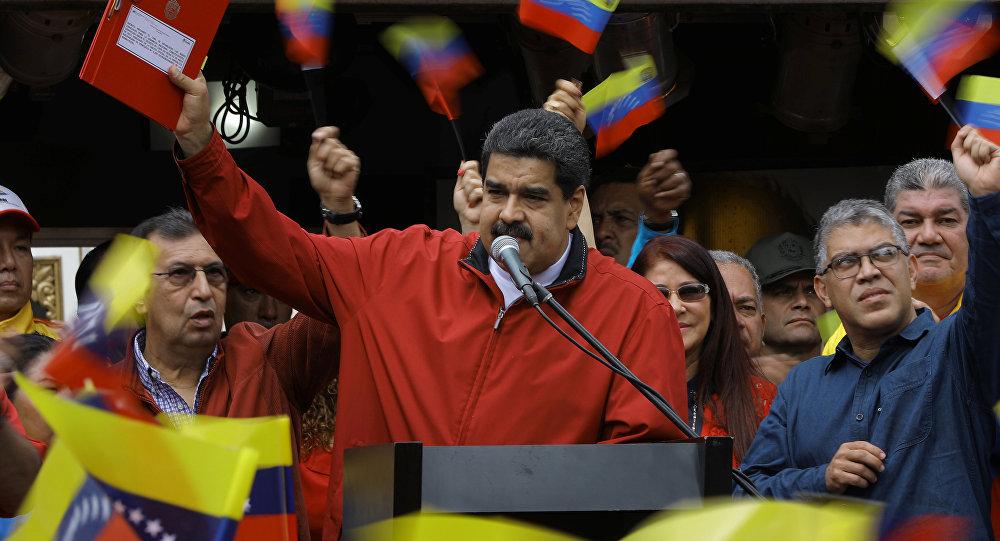 Maduro proclama vitória absoluta nas municipais