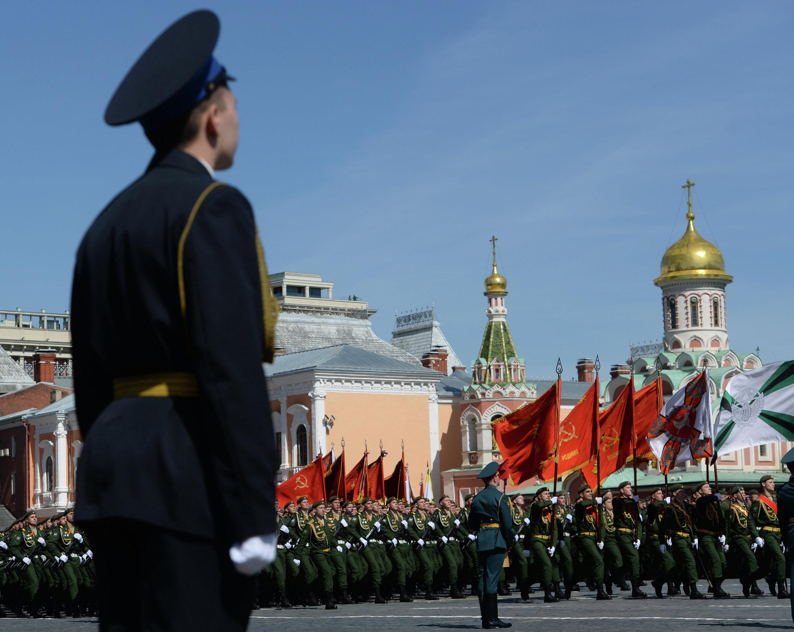 Soldados da unidade cerimonial ensaiam para o 70º aniversário do Dia da Vitória