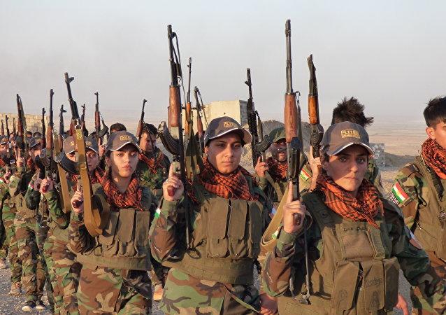 Mulheres combatentes curdas das forças peshmerga