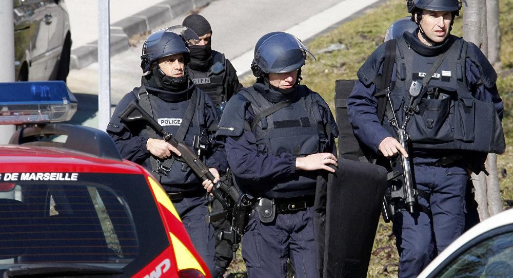 Agentes da polícia francesa na cidade de Marselha (arquivo)