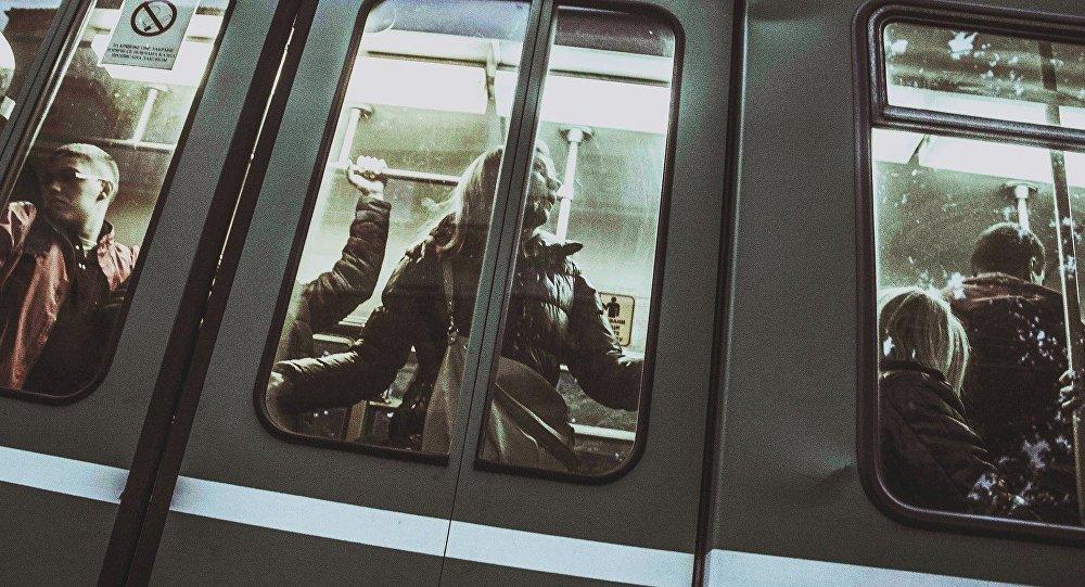 Passageiros em um trem (imagem referencial)