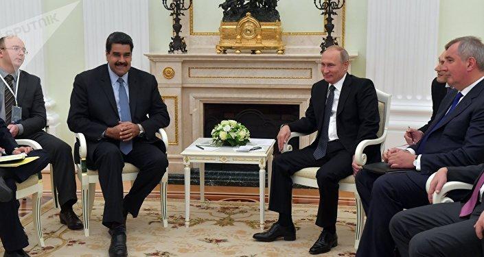Nicolás Maduro, presidente da Venezuela e Vladimir Putin, durante o encontro realizado em 4 de outubro