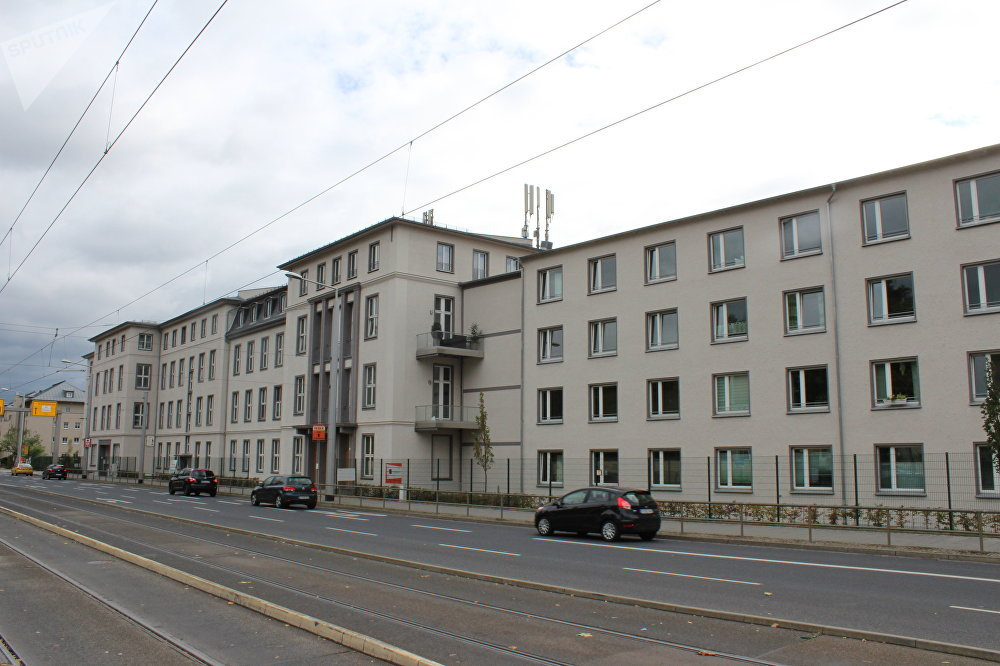 O edifício na rua Bautzener onde anteriormente se situava o departamento de administração regional da Stasi, o Ministério para a Segurança do Estado da República Democrática Alemã