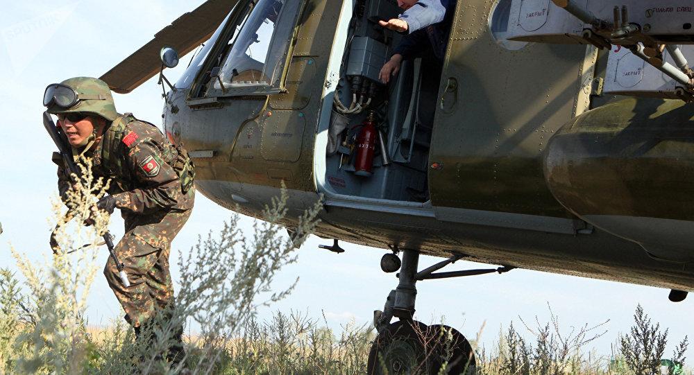 Soldado quirguiz (arquivo)