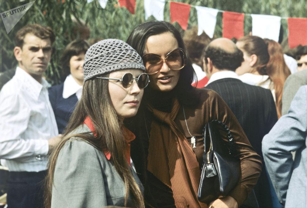 Jovens soviéticas no festival em Chisinau, 1978
