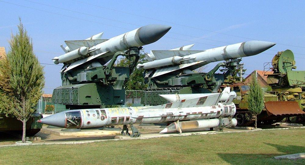 Mísseis do sistema soviético S-200 (imagem referencial)