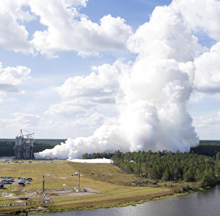 A NASA testa novo motor RS-25 E2063 para o Sistema de Lançamento Espacial (SLS),Mississipi, EUA (foto de arquivo)