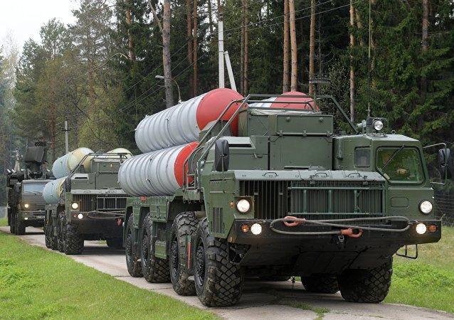 O sistema de defesa antiaéreo russo S-400 Triumph