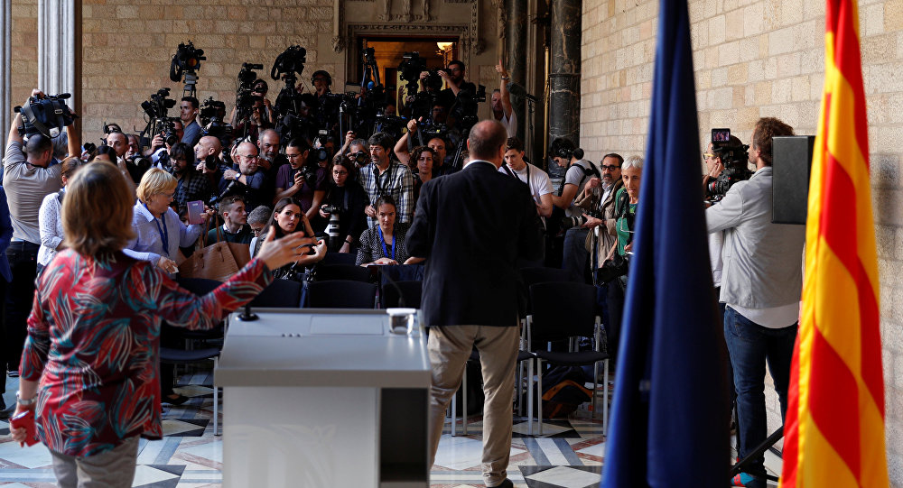 Catalunha aprova início de processo de independência; Senado espanhol pede intervenção