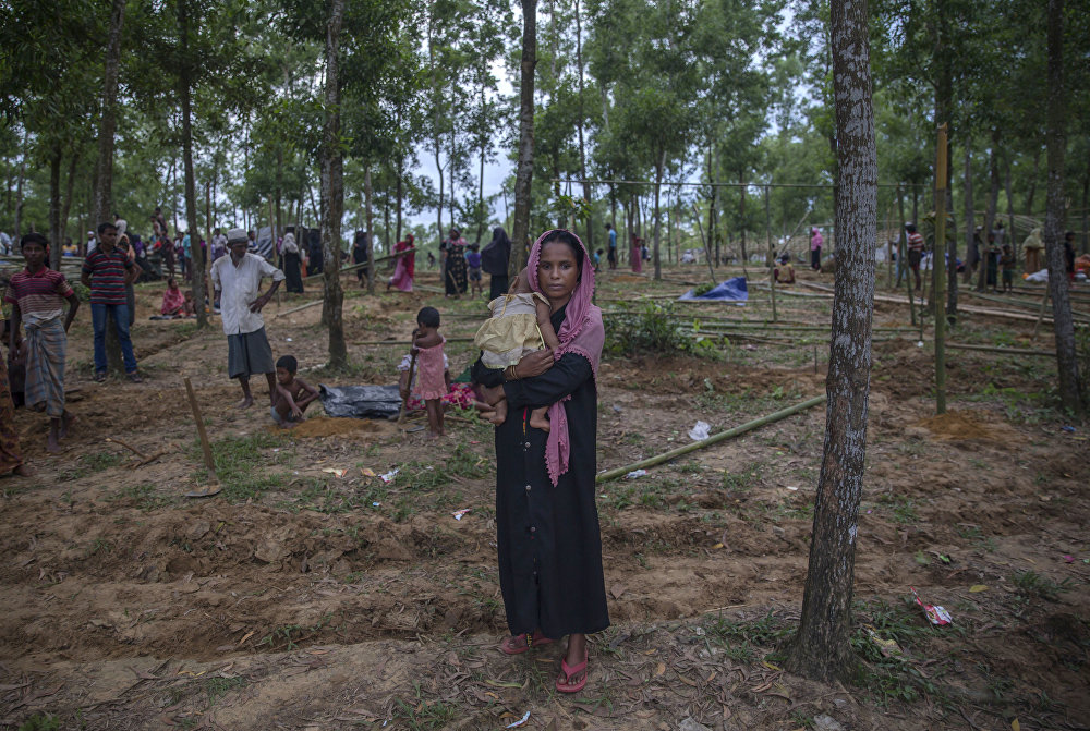 Arifa Begum deixa Mianmar com sua filha de 8 meses