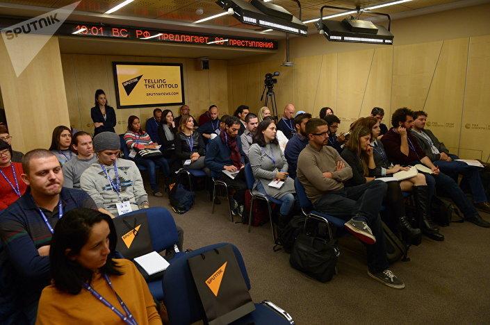 Participantes da Escola do Jovem Jornalista, evento realizado pela Sputnik em Moscou