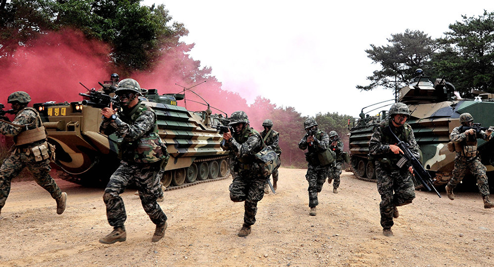 Soldados sul-coreanos durante treinamentos