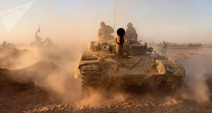 Tanques sírios na área de Deir ez-Zor
