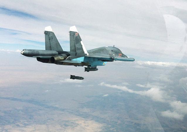 Caça russo Su-34 em missão na Síria