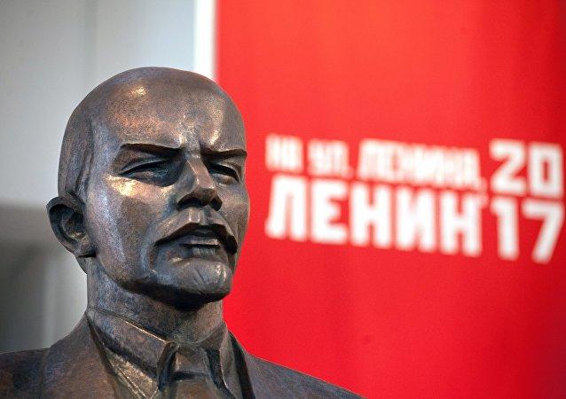 Busto do líder revolucionário Lenin em uma mostra na cidade de Minsk, em 2017