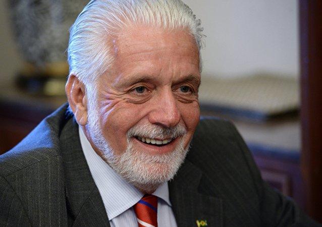 Ministro da Defesa do Braisl, Jaques Wagner, em Moscou no dia 9 de maio de 2015