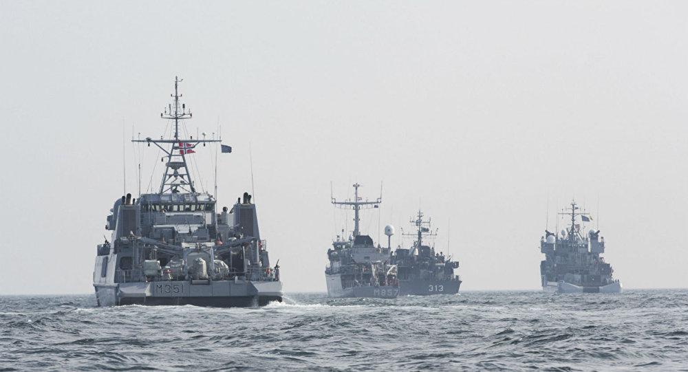Navios de guerra da OTAN.